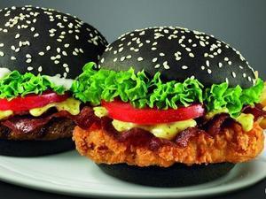 Черный «готический» бургер— боятьсяли зафигуру?