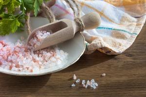 Принимаем ванны сглауберовой солью для похудения